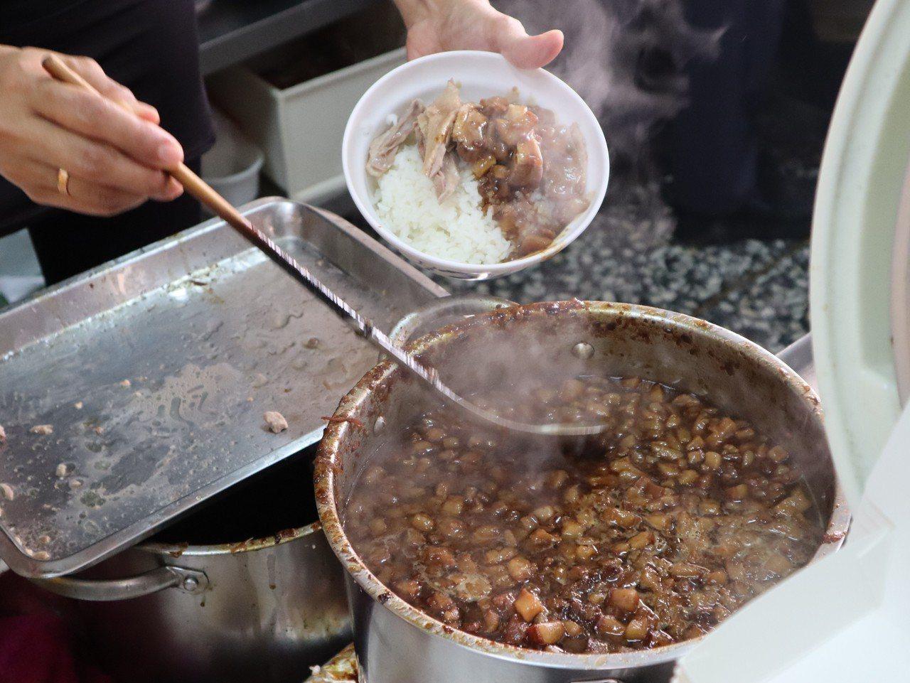 鴨肉飯業者說,韓國瑜前前後後來了約三次,每次都會點鴨肉飯。記者張媛榆/攝影