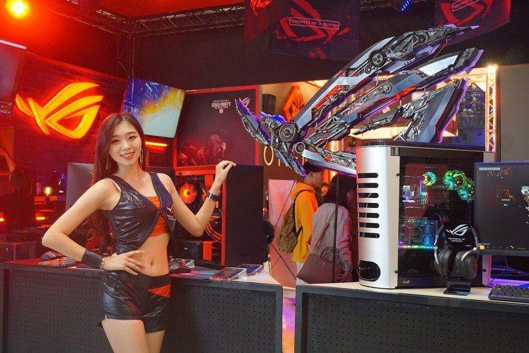 ROG於WirForce打造結合電競、酒吧、音樂元素的電競基地。記者黃筱晴/攝影