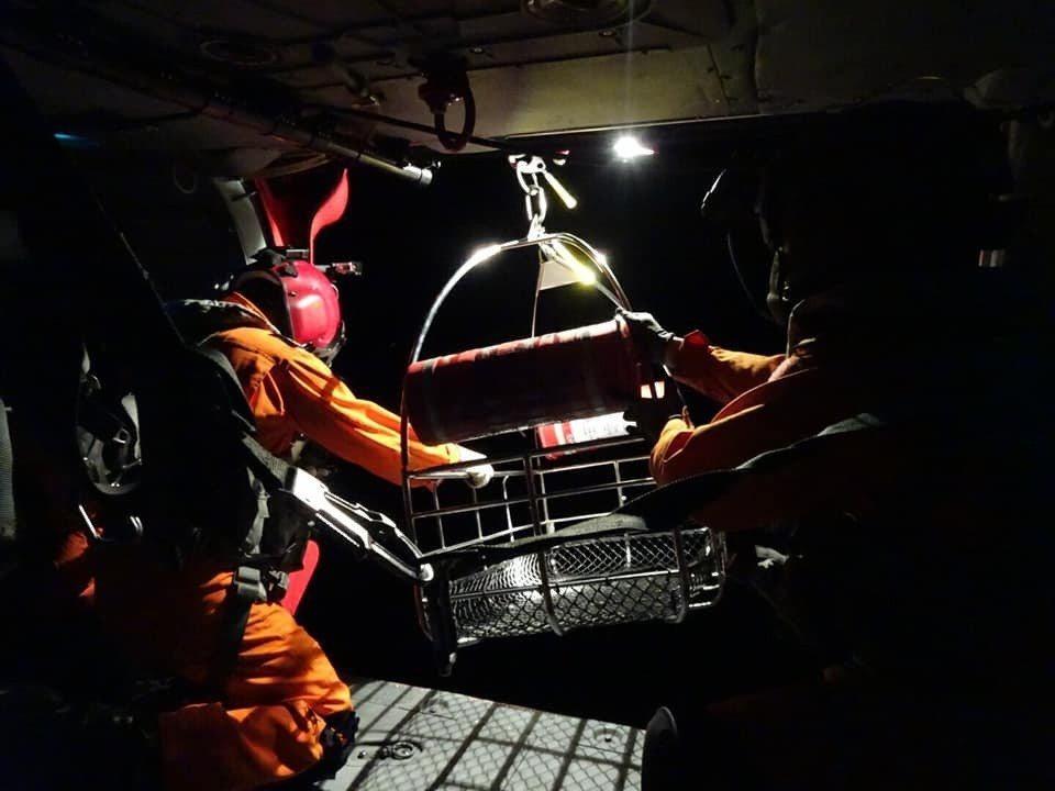 海巡署今年4月在偵防分署下成立「空勤吊掛分隊」,整合原執行吊掛與新培訓的軍警廿餘...