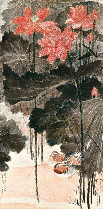 張大千的《佳藕圖》結合具代表性的鉤金紅蓮和工筆鴛鴦,成交價2億3,066萬元,是...