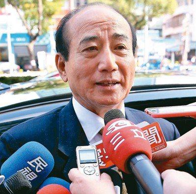 對於選總統話題,立法院前院長王金平表示「跟著因緣走」。 記者高彬原/攝影