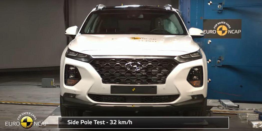 Euro NCAP測試時發現有全景天窗的Hyundai Santa Fe,可能在...