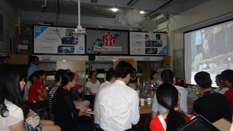 深圳是創新創客之都。圖為位於深圳的「柴火創客空間」舉辦創客分享會。