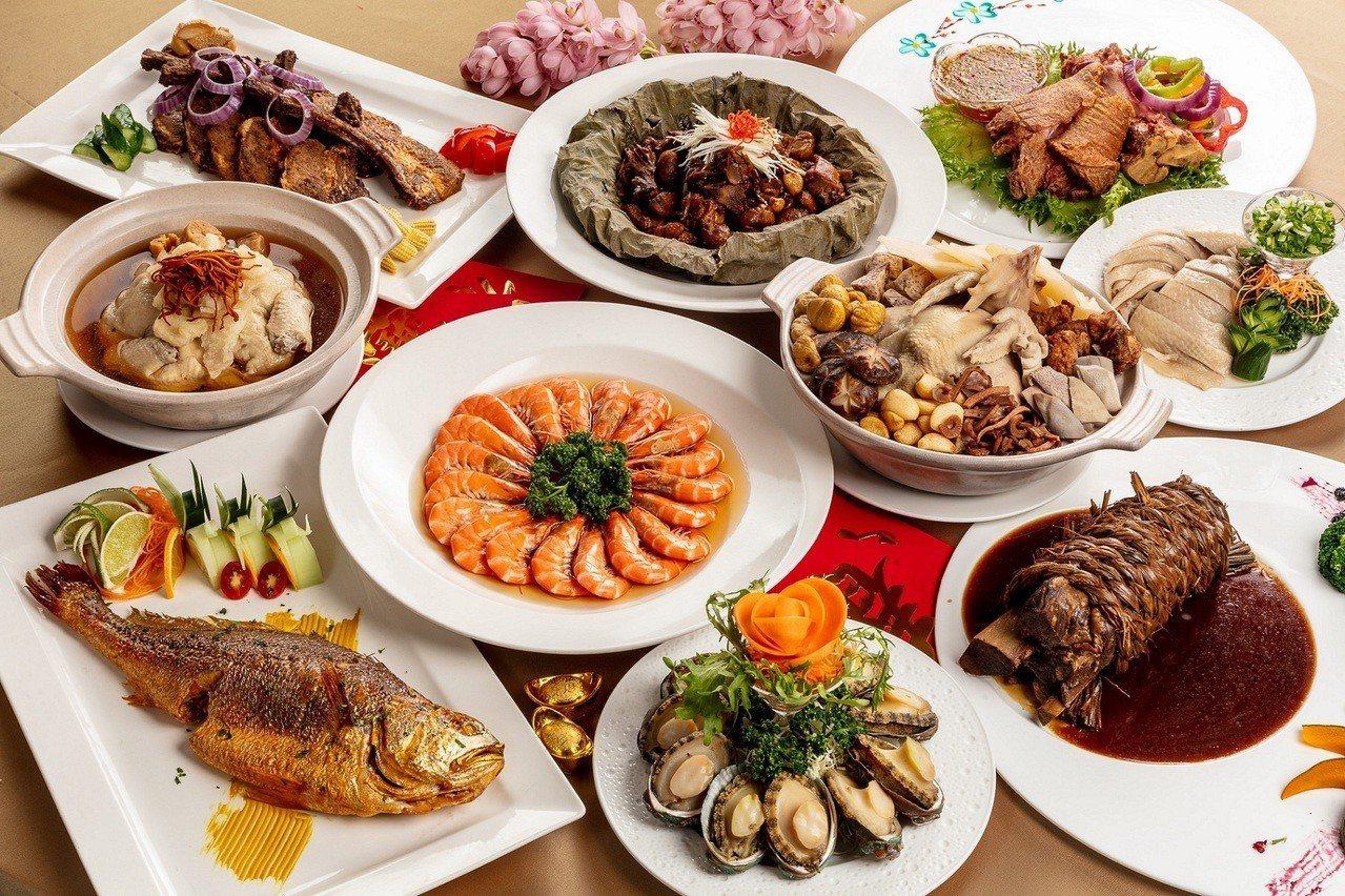圖/福容大飯店台北一館金豬年外帶年菜,砂鍋八寶雞燉湯是最推菜色;福容大飯店提供。