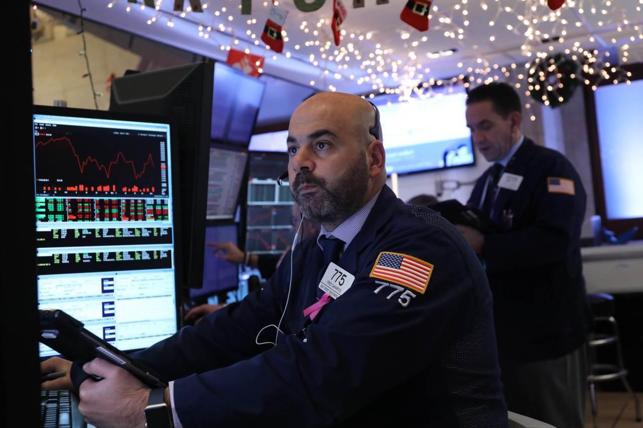 美股周四震盪,盤中大跌,但科技股走高讓跌幅收斂。 法新社