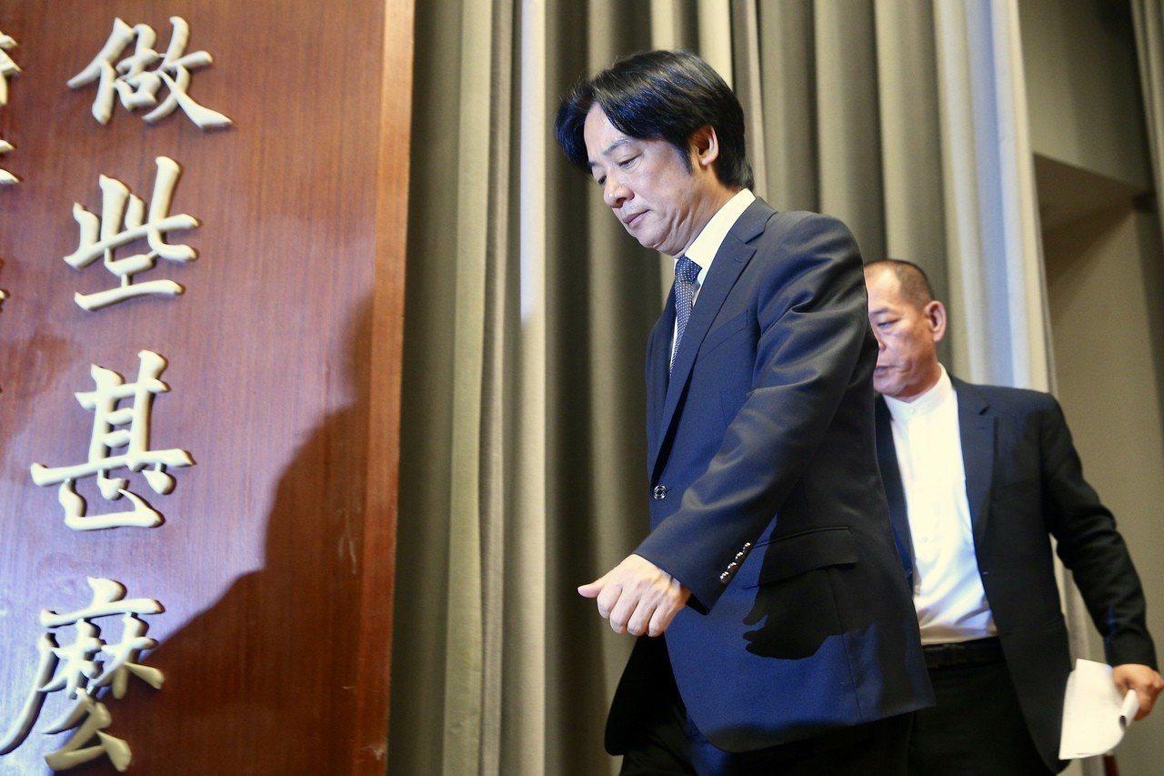 行政院上午召開記者會,院長賴清德表示,時間一到他也會堅定離開,負起政治責任,不讓...