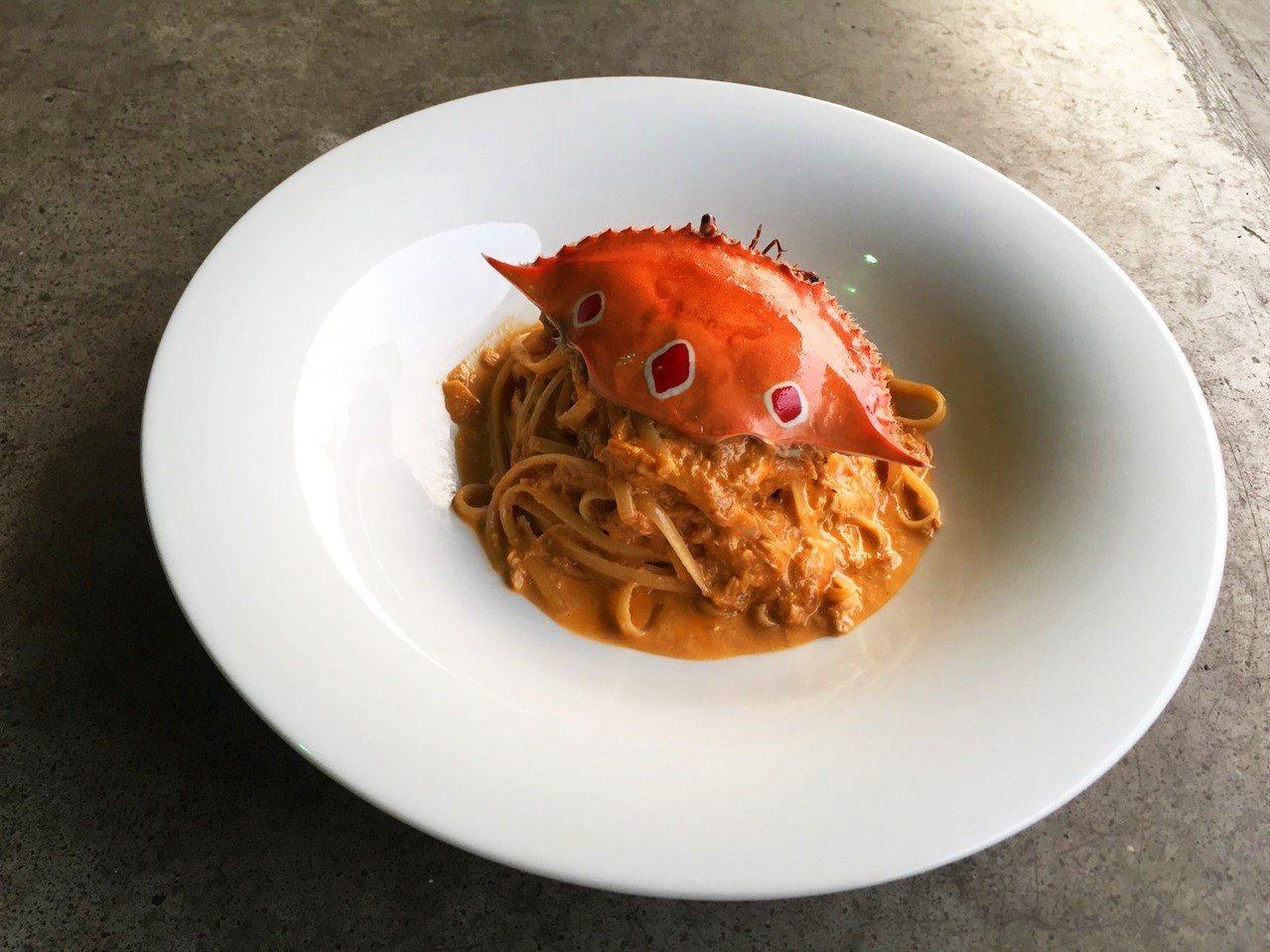當季螃蟹細扁麵。 圖/薄多義提供
