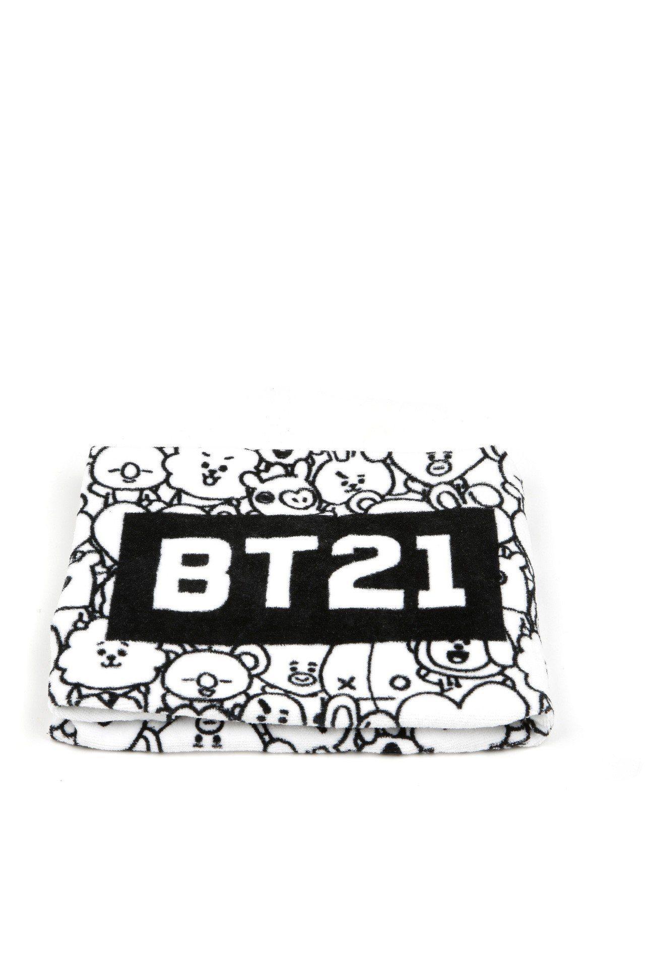 BT21與:CHOCOOLATE聯名系列海灘巾,999元。圖/I.T提供