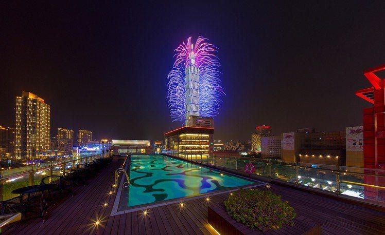 能夠近距離欣賞台北101跨年的星級飯店,是許多人的跨年首選。圖/寒舍艾麗提供