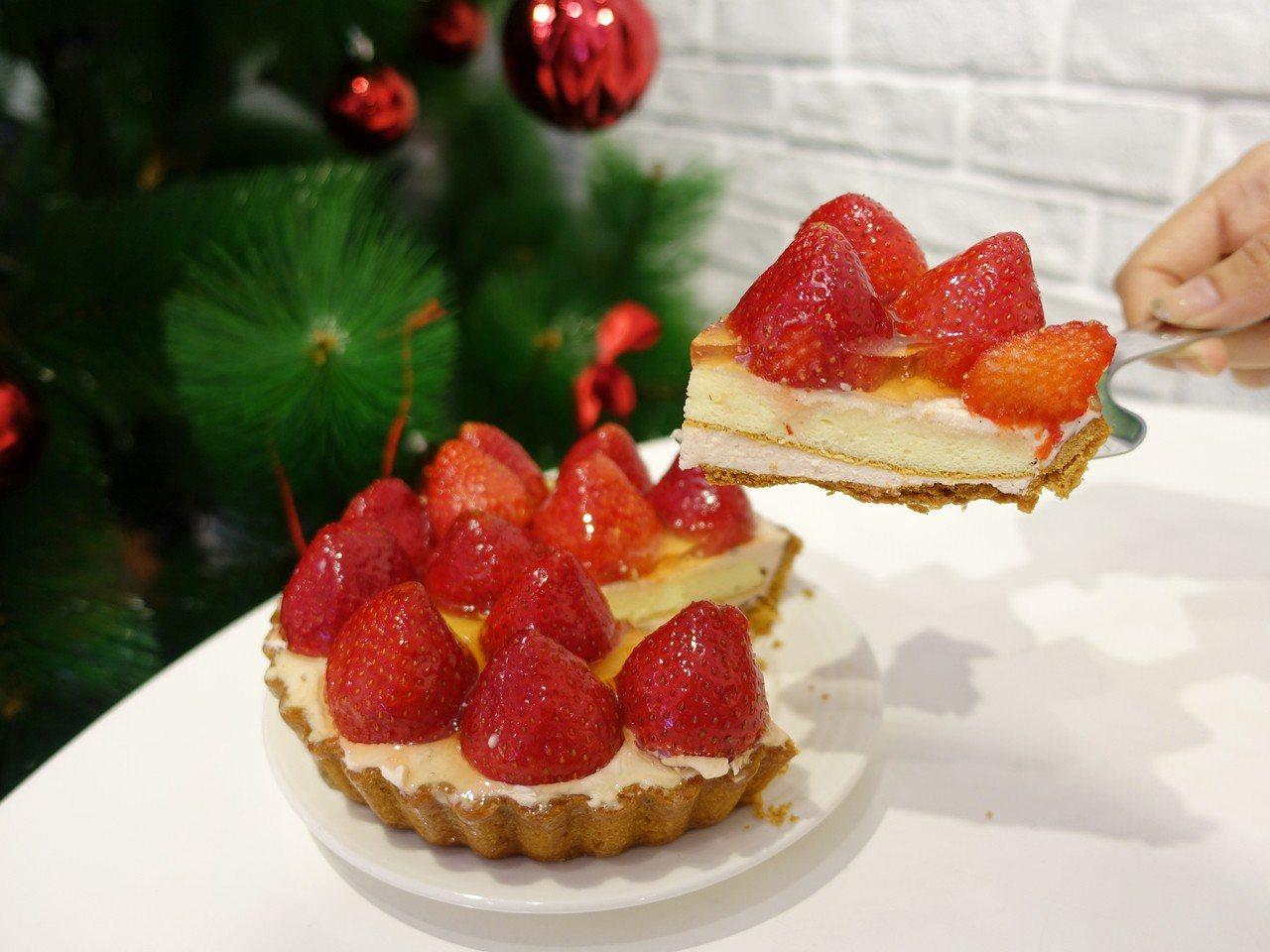 歡樂鮮莓派,售價680元(6吋)、135元(8吋切片)。記者張芳瑜/攝影