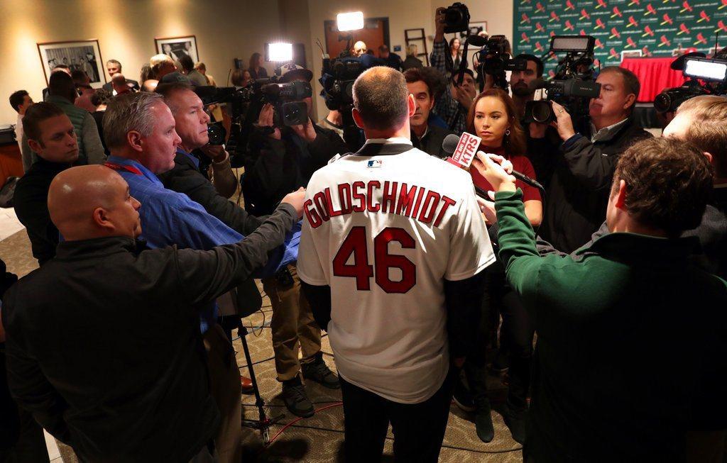 前響尾蛇招牌球星高史密特今天正式穿上紅雀隊46號球衣 美聯社