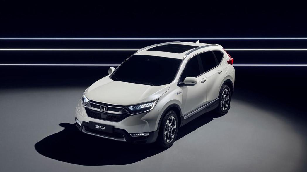 曾在2017法蘭克福車展中亮相的Honda CR-V Hybrid原型車。 摘自...