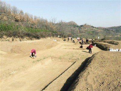 陝西省考古人員在陝西寶雞市陳倉區發現了戰國時期的吳山祭祀遺址。(華商報)