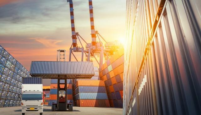 大陸11月外貿統計,進出口增速雙雙不及預期,且較上月大幅放緩。界面新聞