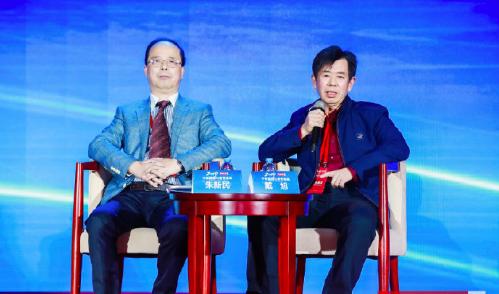 中共海洋安全與合作研究院院長戴旭(右)今天表示,美國軍艦再非法闖入中國領海,就撞...