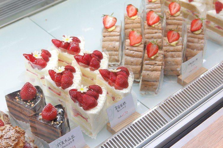 店內也供應多款切片蛋糕,售價約150元。圖/記者陳睿中攝影