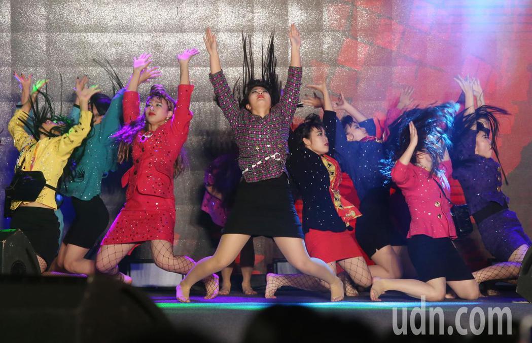 cool japan展覽,網路點播操過七千萬次的日本登美丘高校舞蹈部首次來台表演...