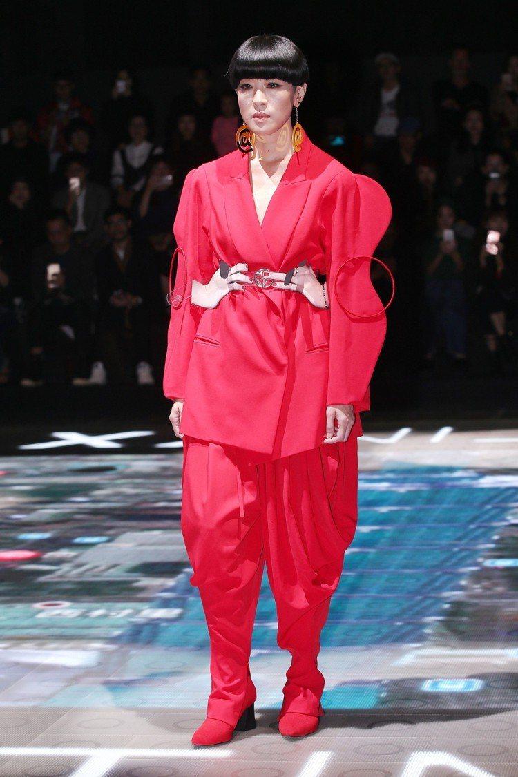台北時裝周,陳珊妮為JUST IN XX走秀。圖/記者林伯東攝影