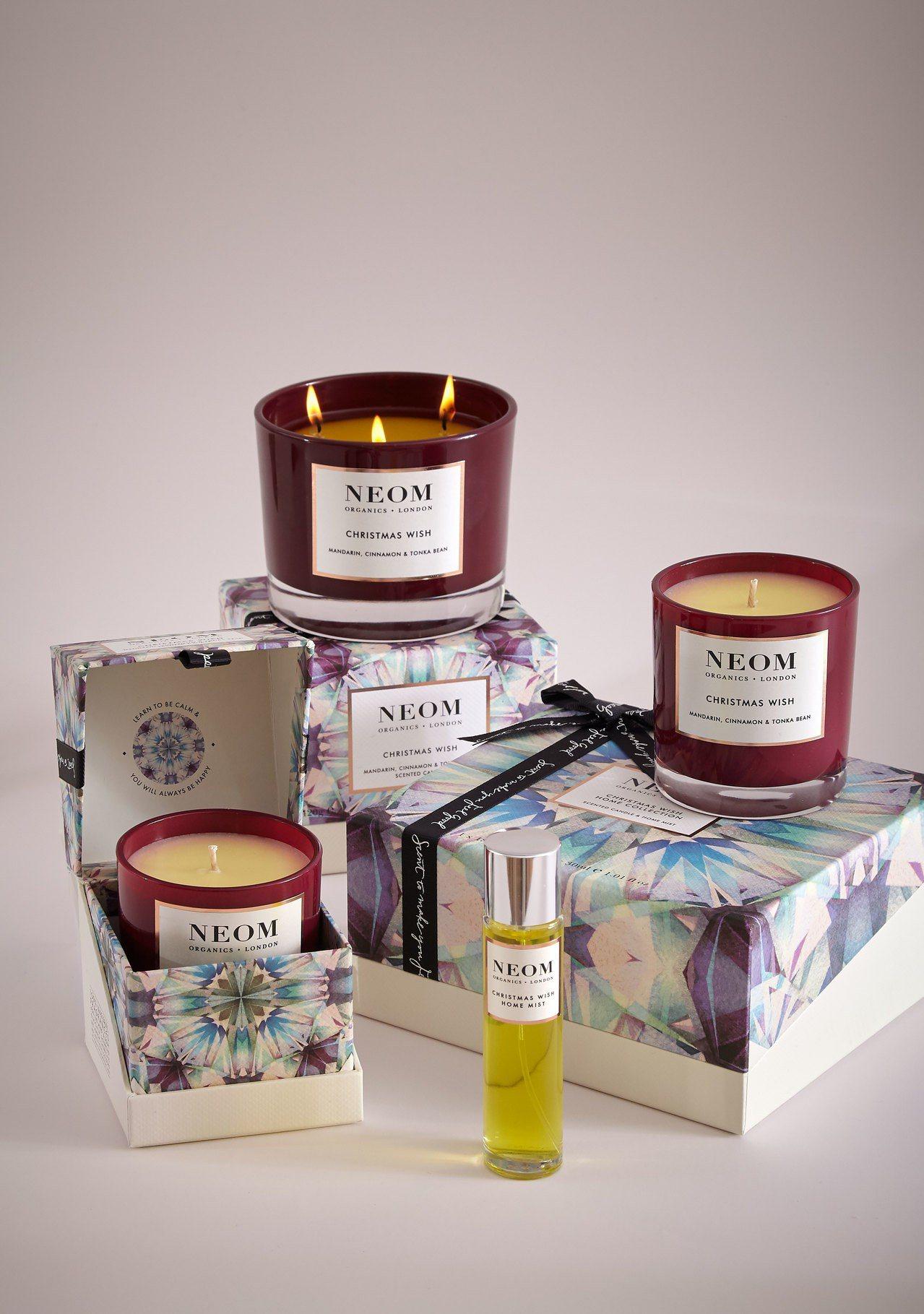 NEOM耶誕祈願豪華蠟燭420g售價2,300元、耶誕祈願標準蠟燭185g售價1...