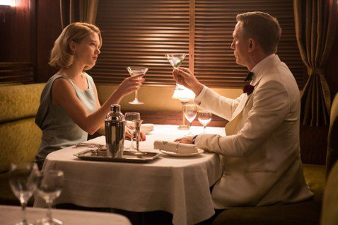 已經風靡全球超過半世紀的「007」系列電影,一直維持女主角集集不同的慣例,除了龐德上司的女秘書Moneypenny還能不斷在新續集出現外,就只有史恩康納萊時期由尤妮絲蓋森扮演的貴婦施薇亞曾經在第1、...