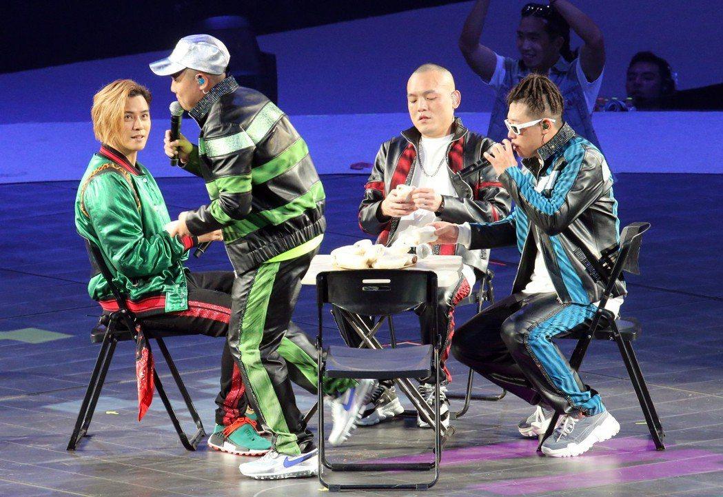 羅志祥擔任玖壹壹演唱會嘉賓。記者許正宏/攝影