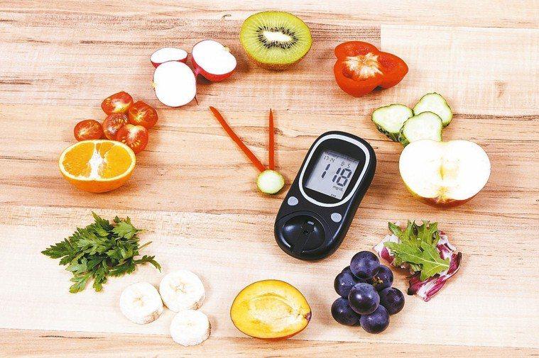 糖尿病是國人十大死因之一,糖尿病患並非不能吃水果。 圖/123RF