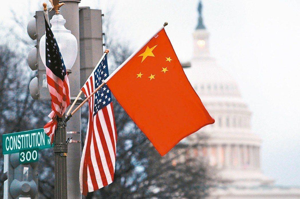 中美貿易戰持續烏雲罩頂,也引發全球景氣明顯下滑的擔憂。 (路透資料照片)