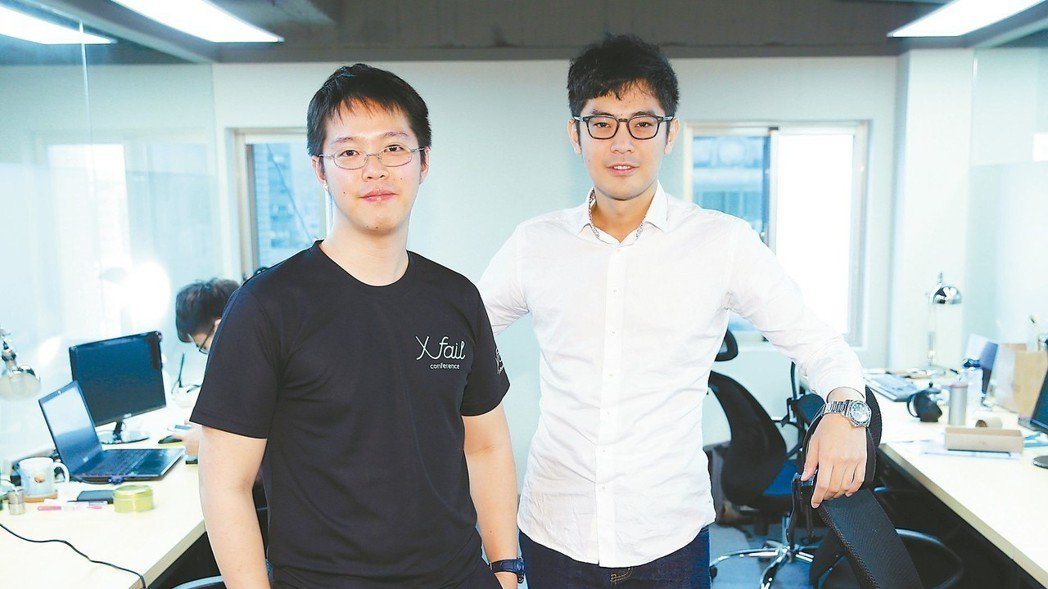 洽吧智能董事長 趙式隆(左)洽吧智能執行長 林奕辰(右)