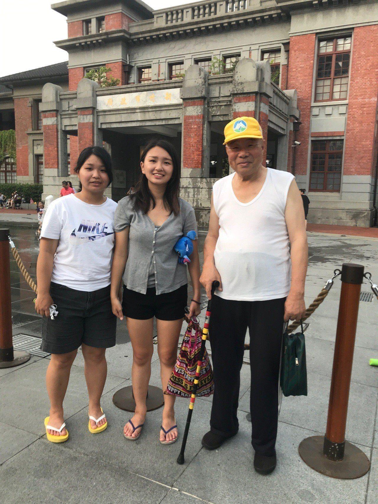 2名當時仍是北一女學生宋采洵、旺佑珊組成的「Taiwan Fabulous Gi...