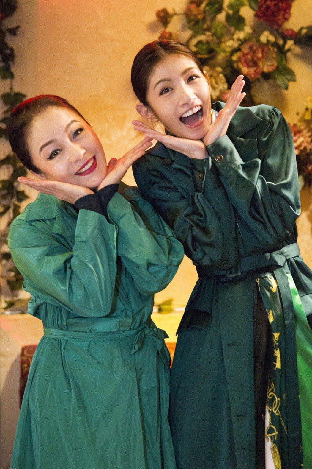 李千那新歌「查某囡仔」請來潘麗麗(左)演出MV。圖/樂是達提供