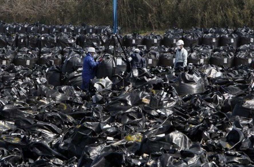 日本政府不只對尋找核廢料最終處置場傷腦筋,如何處置2200萬袋的福島核災汙染土壤...