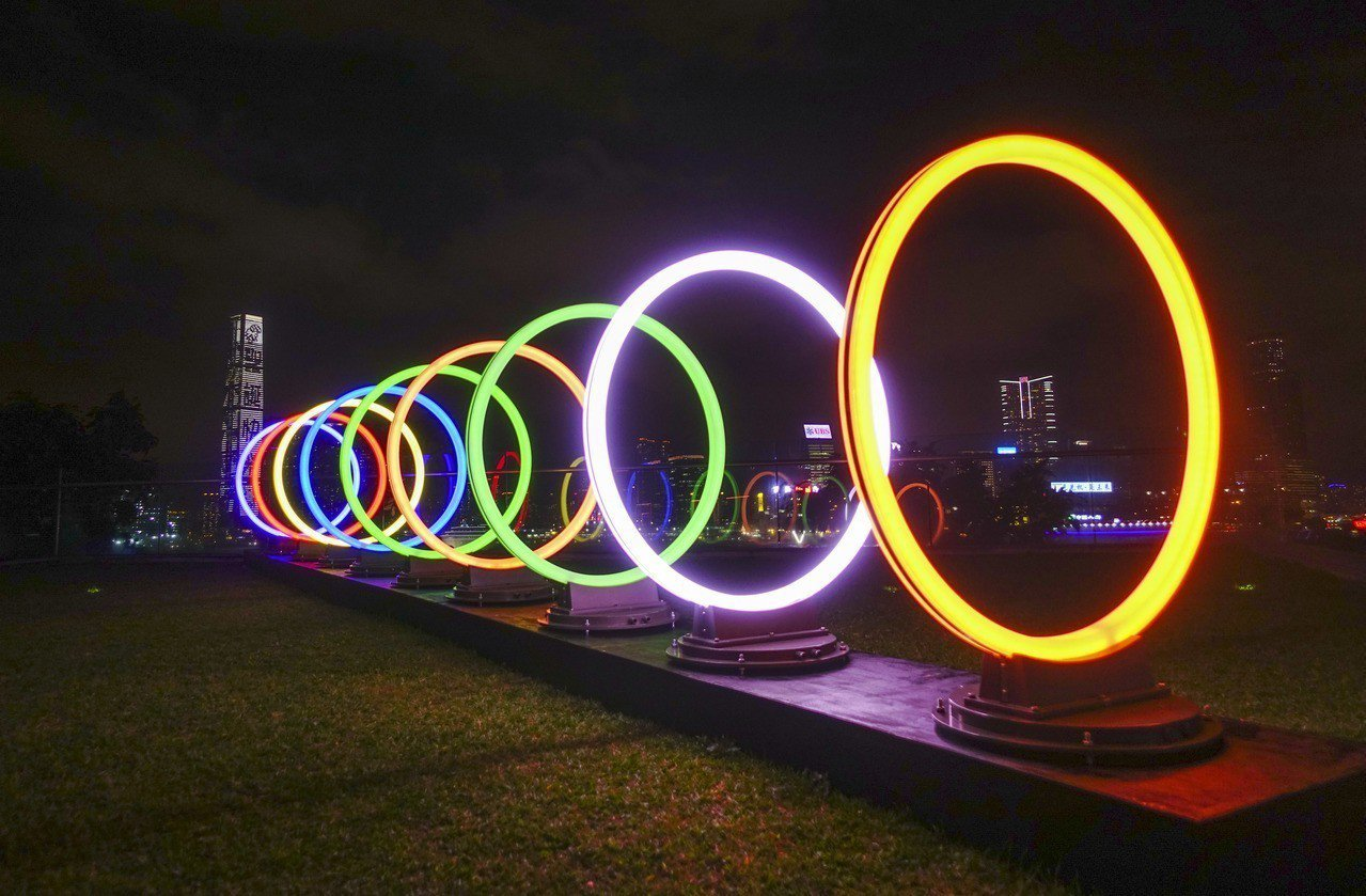 「閃耀維港燈影節」。 中國新聞社
