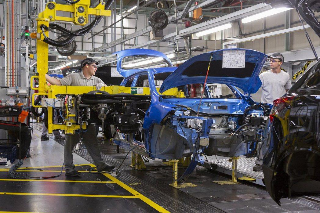 與一代Juke一樣,第二代車型同樣會在英國Sunderland生產,並供應整個歐...