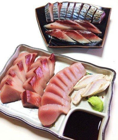初嚐生魚片的我,戰戰兢兢地依序夾起鯖魚和煙仔虎放進口中。圖/鄭雅嬬提供