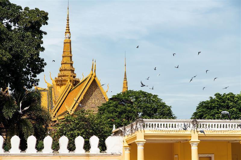 金邊皇宮閃耀著耀眼光芒,是高棉文化的象徵。
