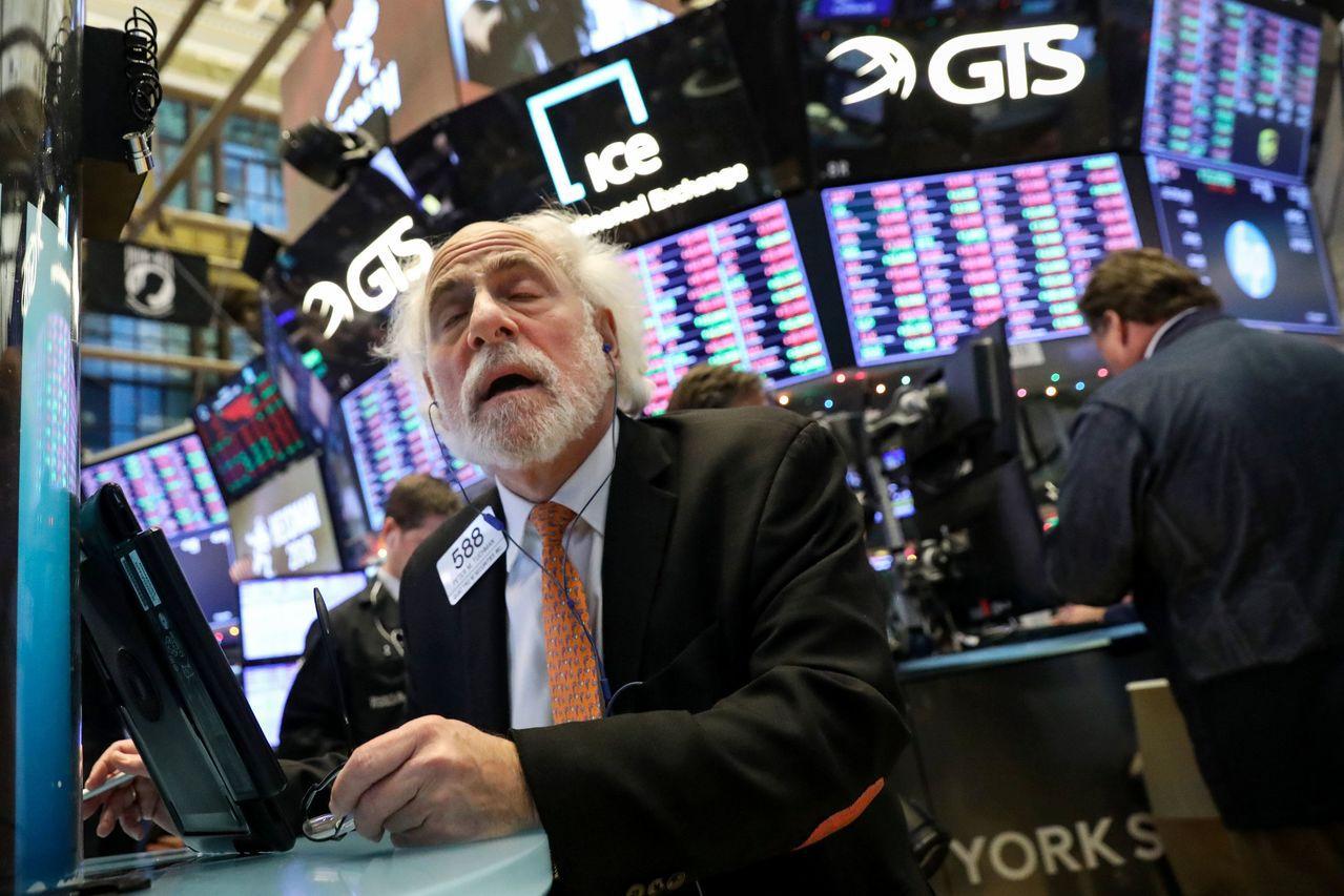 美股期指下跌顯示本周股市仍然不妙。路透