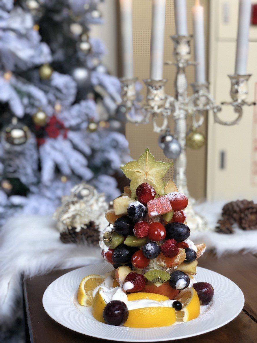 聖誕水果樹沙拉,是用水果打造每一桌專屬聖誕樹,讓大人小孩吃得開心、無負擔。 蔡氏...