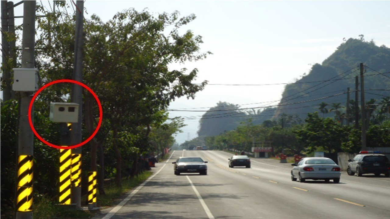 第二處照相機,從六龜往美濃方向行駛,即將抵達十八羅漢山風景區之前,測速照相機位於...