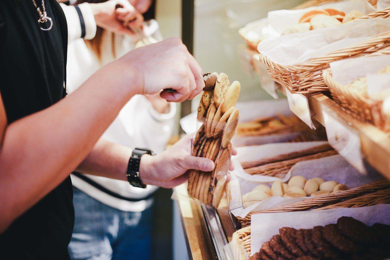 手工餅乾品牌將在年終之際,舉辦感恩祭「餅乾夾夾樂挑戰賽」活動,限時內可以將近十種...