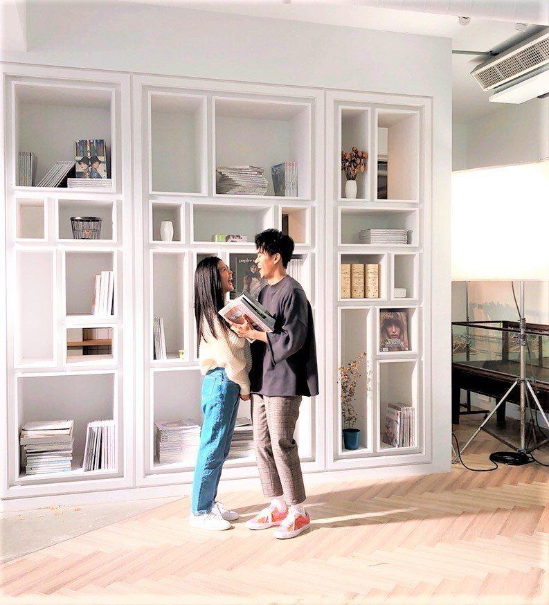 廖柏雅找來Erika擔任新歌「因為很愛你」MV女主角。圖/柏雅音樂工作室提供
