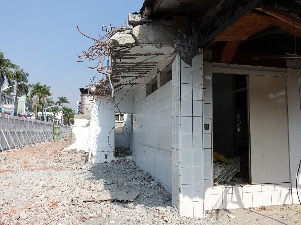 屏東市區列入歷史建築的眷舍已達160幢,七成以上等待修復。記者翁禎霞/攝影
