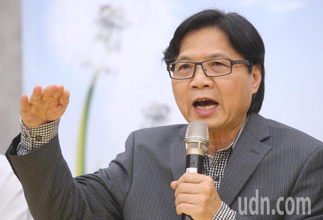 教育部長葉俊榮上任以來,對台大校長案強調秉持「有溫度的溝通」。聯合報系資料照