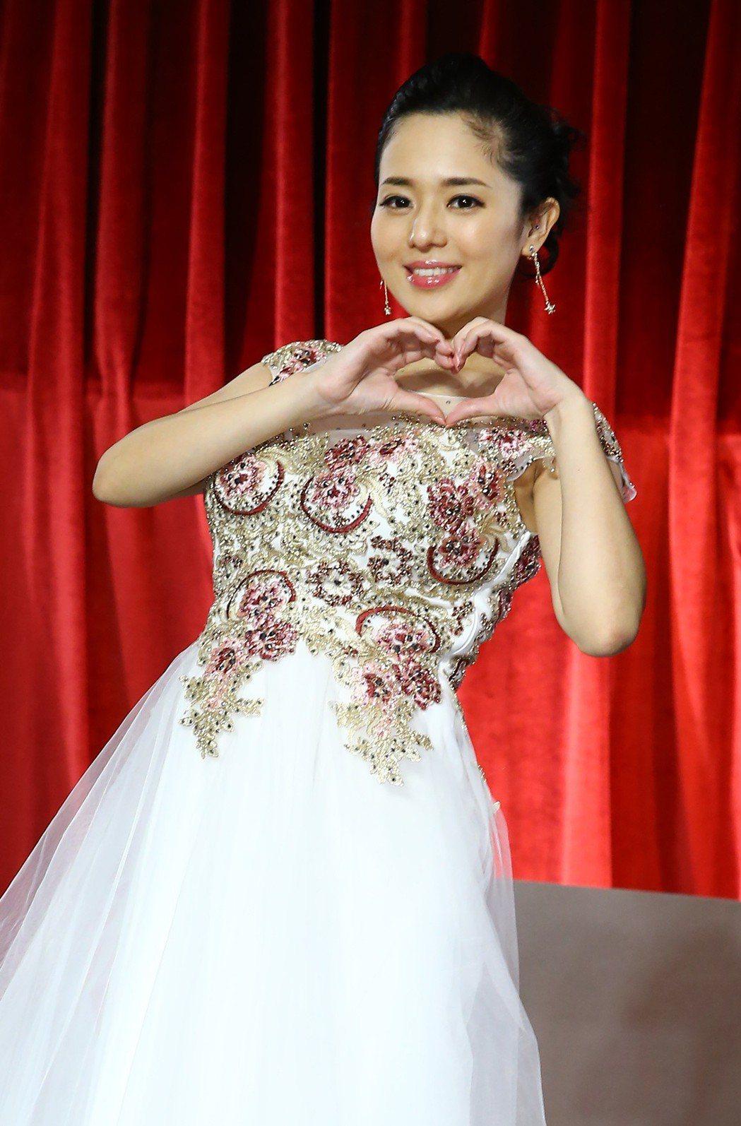 前AV女優蒼井空下午出席「這就是愛」答謝記者會,甜蜜宣布已經懷有約五月身孕,明年...