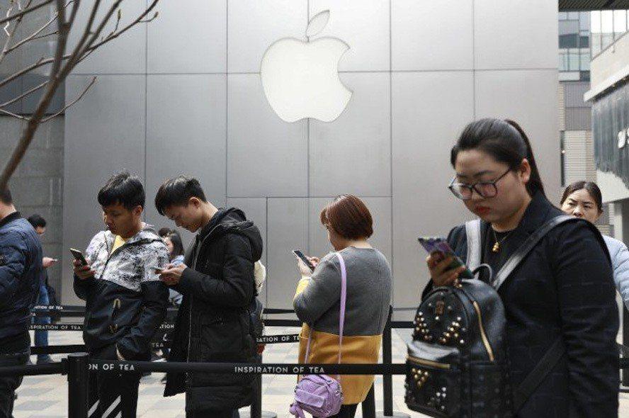 蘋果手機遭中國法院禁售,但已提出上訴複審。(美聯社)