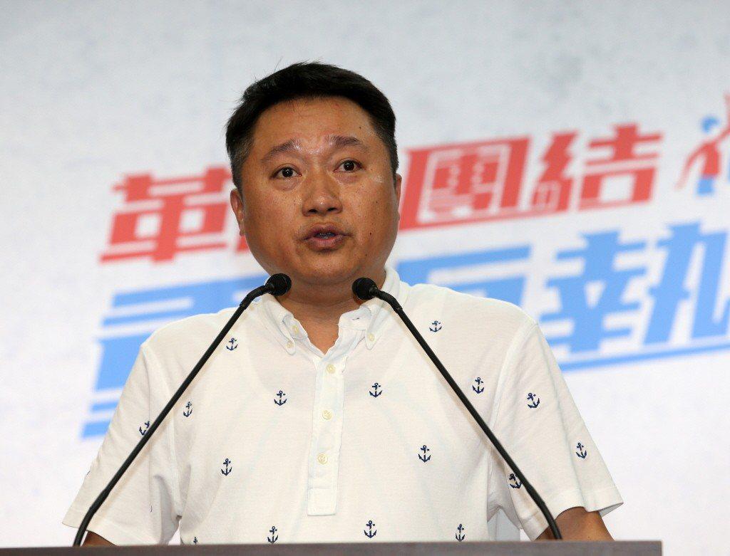 國民黨中央組發會主委李哲華表示,現行黨員參選公職提名辦法規定就是,初選採七成民調...