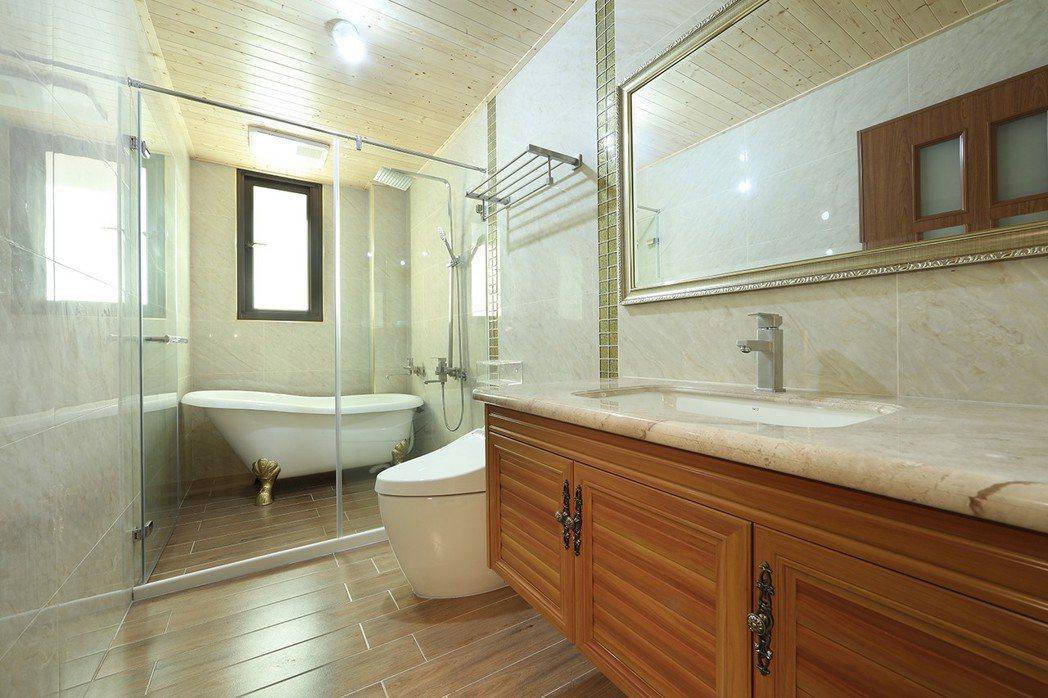 衛浴 乾濕分離,採取先進建材衛浴-現場實景拍攝。圖片提供/城品建築開發