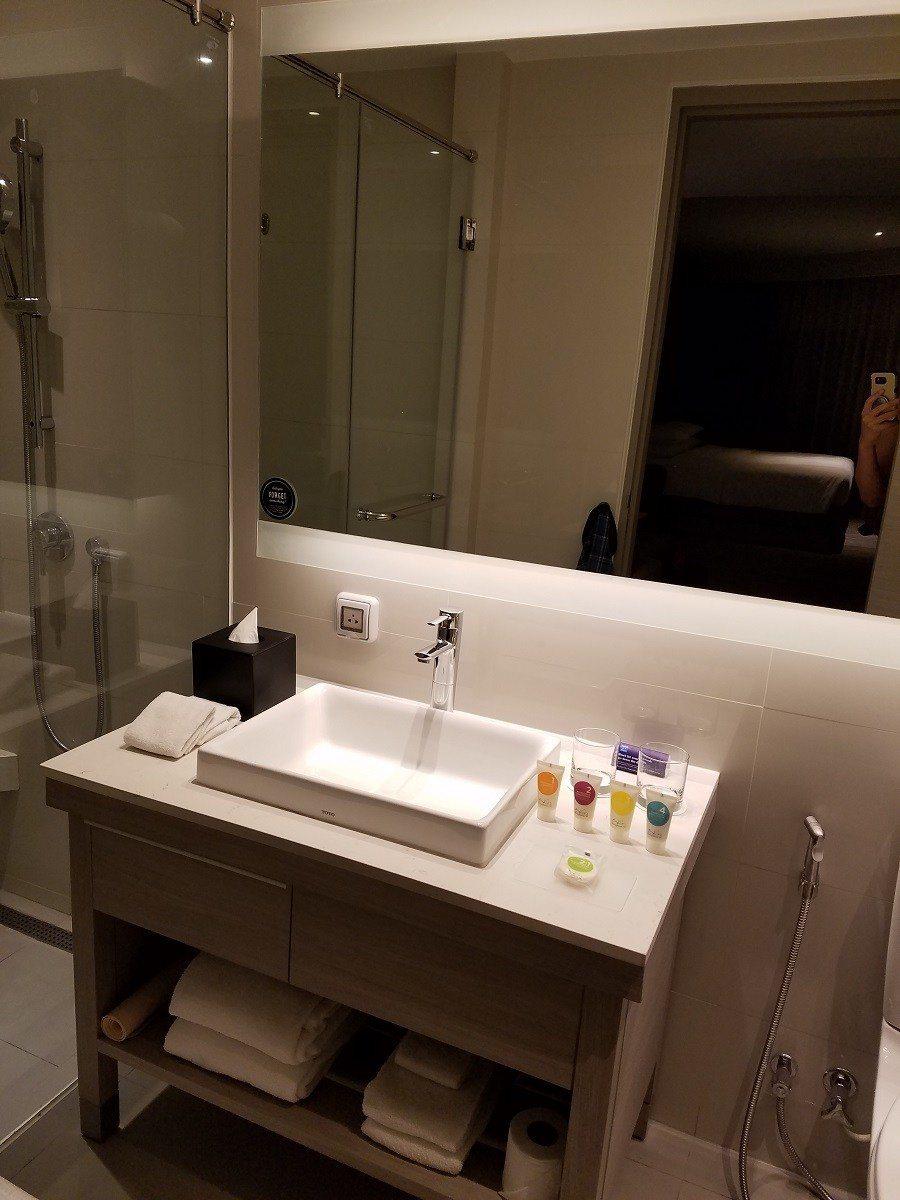 洗手台一覽,只有單水槽,不是我們專欄作家Sharon的菜 圖文來自於:TripP...