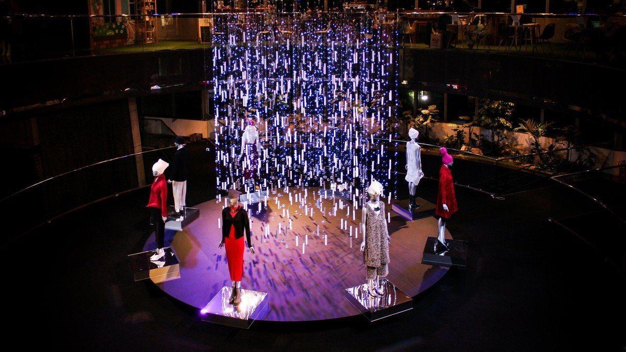三宅一生在台北遠企購物中心的XMAS Fair展覽。圖/三宅一生提供