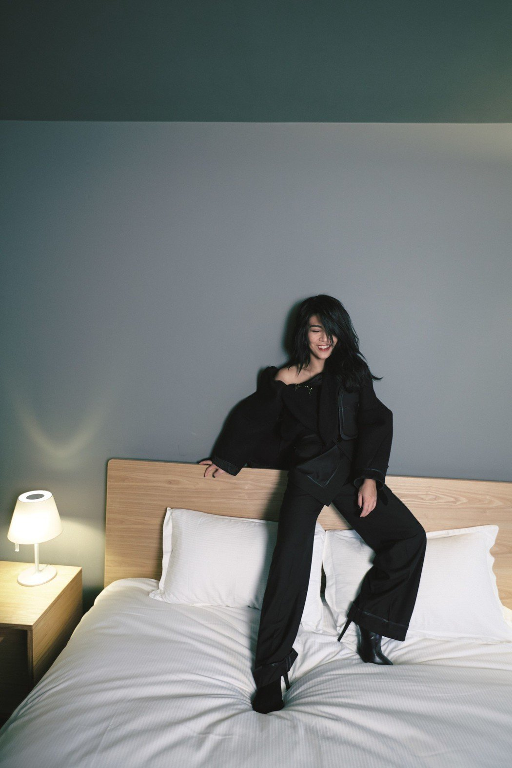 艾怡良脫胎換骨發表首波主打「Forever Young」。圖/EMI提供