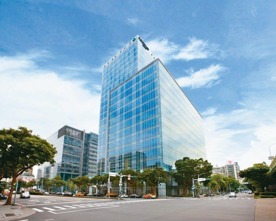 台北國泰萬怡酒店的外觀。 國泰商旅/提供